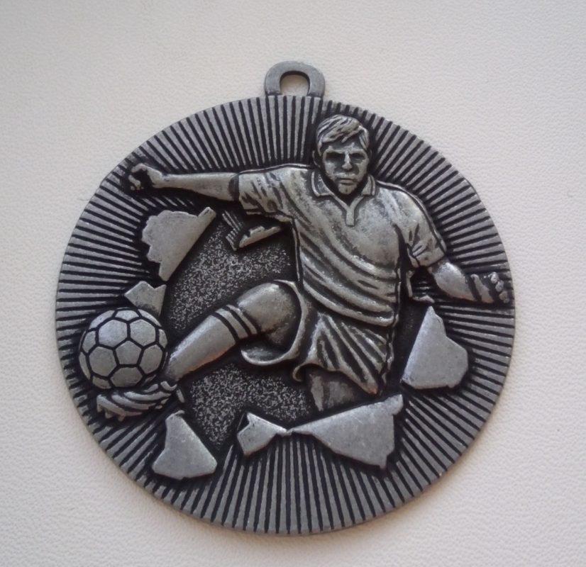 Медаль футбол 50 мм серебро Цена 12 грн.